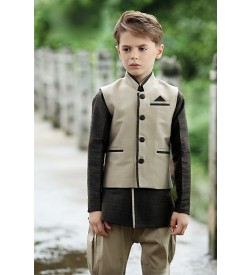 Light color waist coat